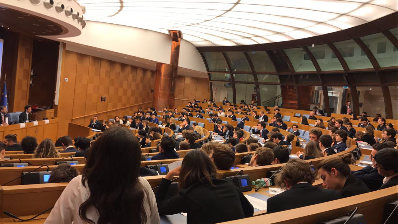 Tirocinio di alternanza scuola lavoro presso il parlamento for Il parlamento