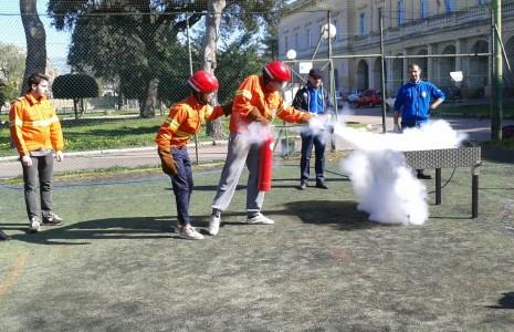 Il quinto scientifico ha svolto alternanza scuola-lavoro con la protezione civile, attività antincendio. Ecco alcune foto.