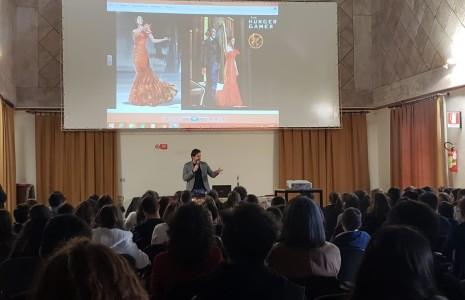 """Il """"nostro"""" costume designer torna a Lecce e parla ai ragazzi dell'Istituto Marcelline Di Andrea Giuri  Il 7 gennaio 2019 il celebre costume designer Cordella ha tenuto un discorso […]"""